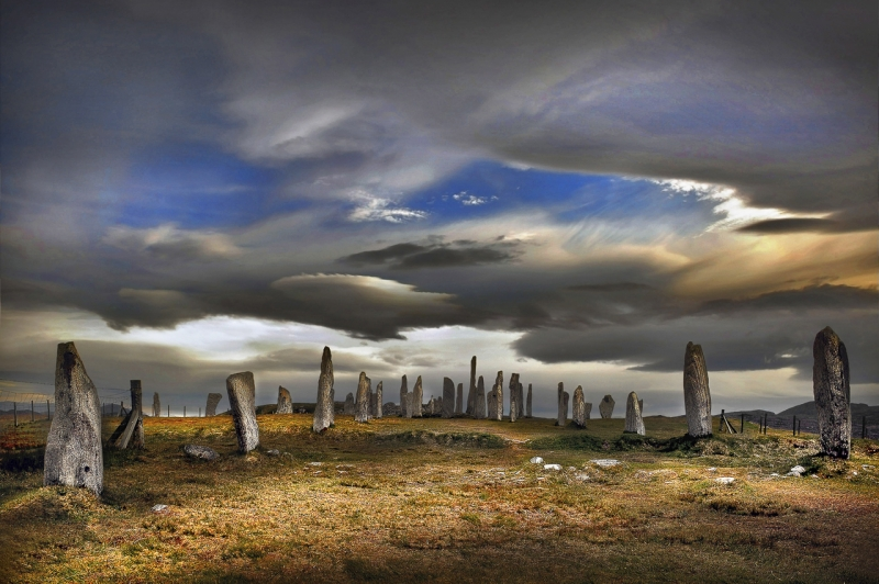 Standing-Stones-of-Callanish-Isle-of-Lewis_.jpg