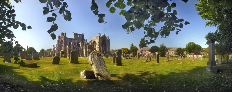 Melrose-Abbey-Borders.jpg