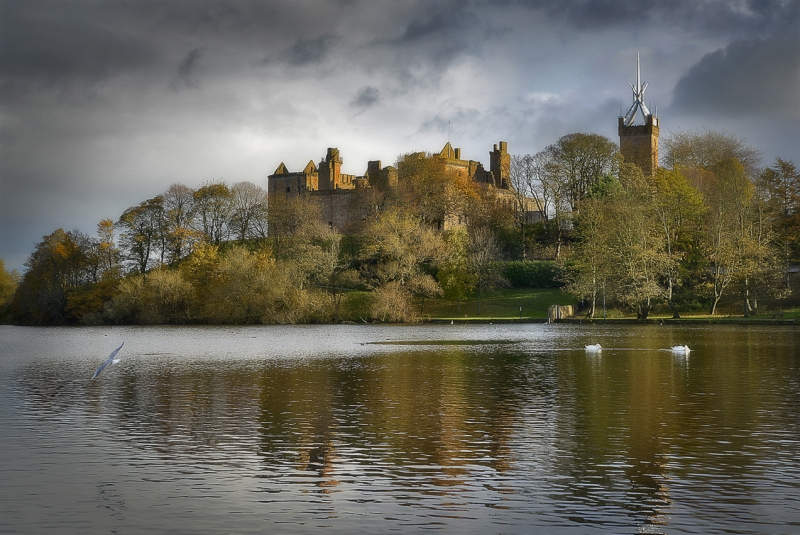 Linlithgow-Palace-West-Lothian-_.jpg